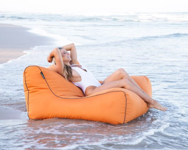 The UV Lounger